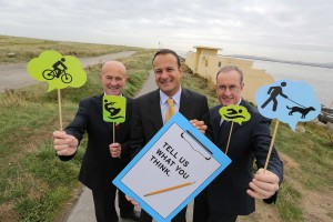 Minister Varadkar with (left) Dublin Port CEO Eamonn O'Reilly and Dublin City Manager Owen Keegan at the launch.