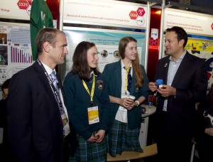 Minister for Transport, Tourism and Sport Leo Varadkar TD with Peter Evans, BT Ireland and Niamh O'Neill and Caitriona McMahon from Castleknock Community College Dublin and their project 'Removal of water hardness with magnetic nanoparticles'