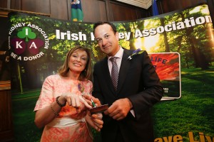 Minister Varadkar signs up for an Organ Donor Card with campaign ambassador Mary Kennedy,