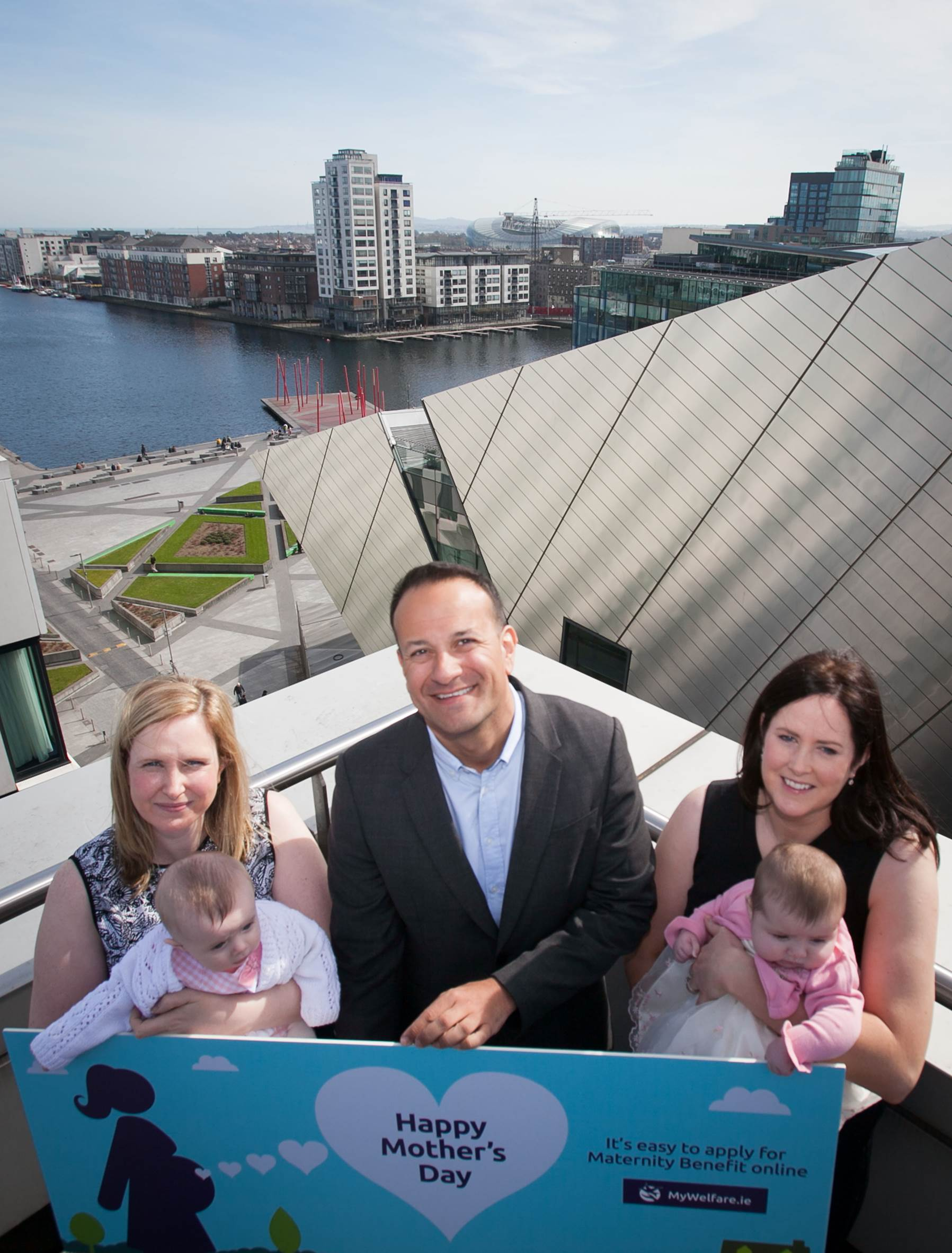 varadkar marks mother s day by calling on more employers to offer 1